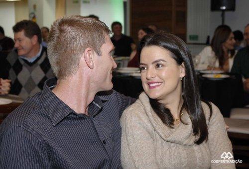 Coopertradição realiza encontro para casais através do Programa Cooperação